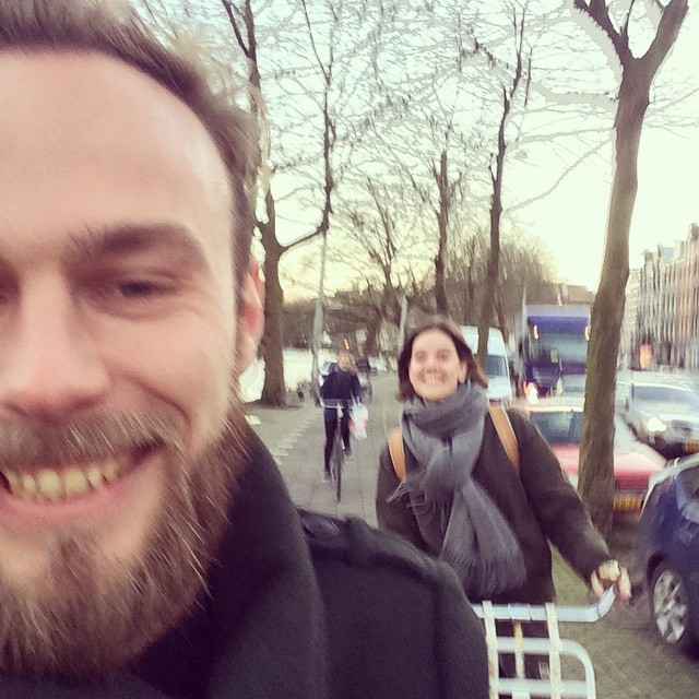 Roel van der Ven and Noortje Offreins on a bike in Amsterdam