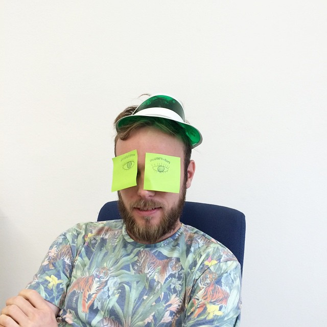 Roel van der Ven with Post-its on his eyes that look like eyes